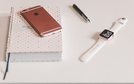 Skládací iPhone s displejem LG